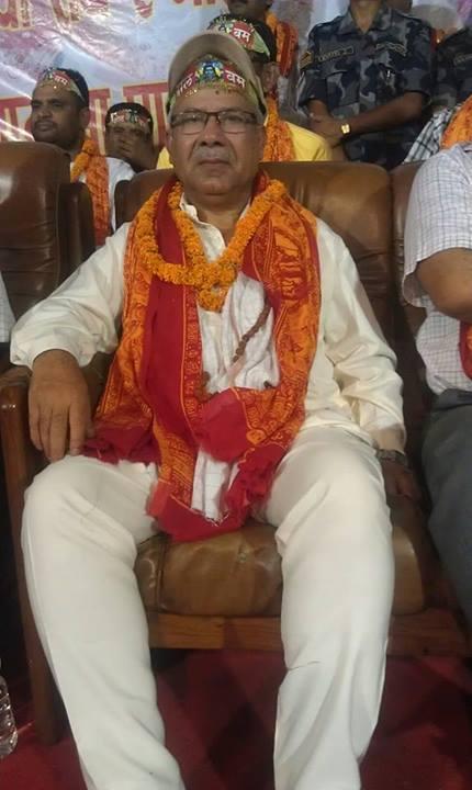 बोल बममा माधव कुमार नेपाल। फोटो सौजन्यः कृष्णगोपाल श्रेष्ठको फेसबुक