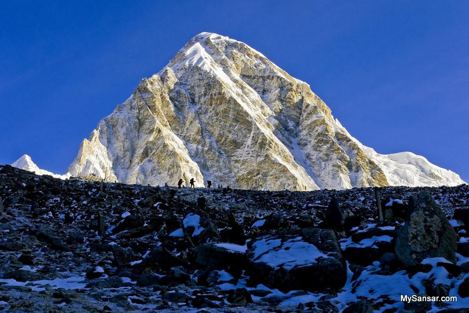 Tourists ascending Kalapatthar to see the top of the world, MountEverest. Also seen fantastic view of Mount Pumori. Photo: Susheel Shreshtha