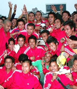 सन् २००९ मा नेपालले जितेको अन्तर्राष्ट्रिय आमन्त्रण कपका साथ नेपाली टोली