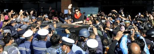शाहरुख खान त्रिभुवन विमानस्थलबाहिर। फोटो : नागरिक